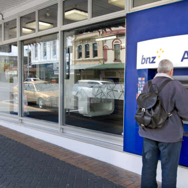 BNZ wins secrecy over employment dispute
