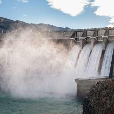 Renewable energy stocks begin final descent