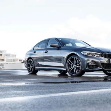 Review: BMW 330e – a clever hybrid that offers the best of both worlds