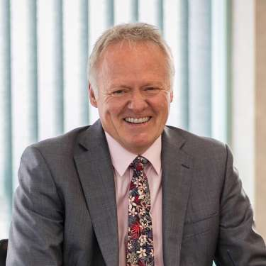 2degrees names Mark Cairns as intended chair