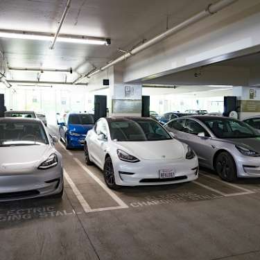 Climate commission cuts EV uptake forecasts