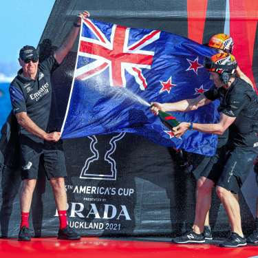 Stephen Tindall steps down from Team NZ board