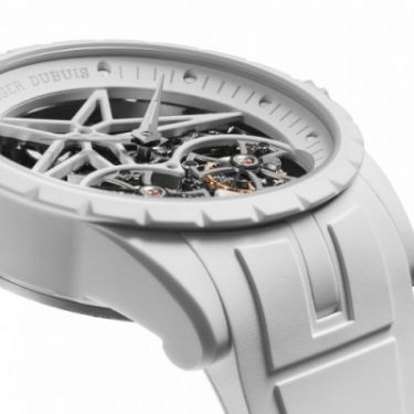 Luxury watches: the future is faceless