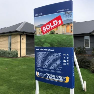 Fewer listings but house prices push higher in May - REINZ